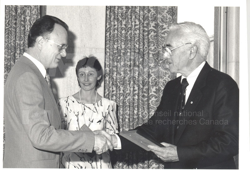 25 Year Service Plaque Presentations May 1985 003
