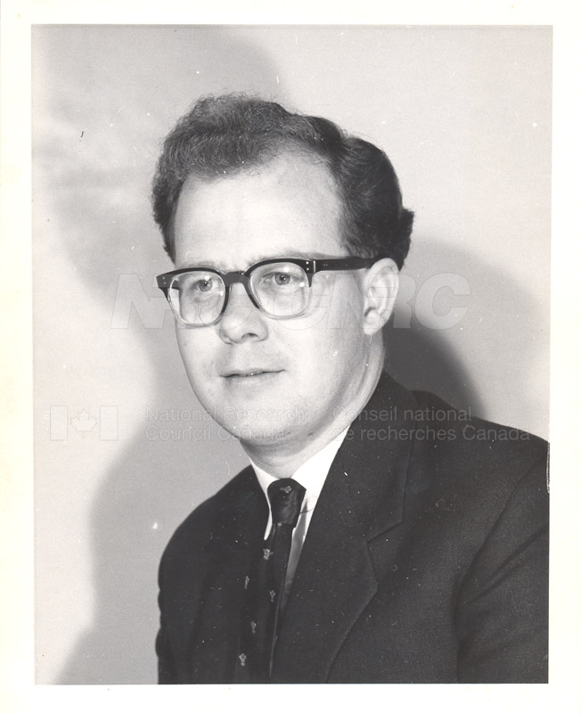 Photographs of Postdoctorate Issue 1957 077