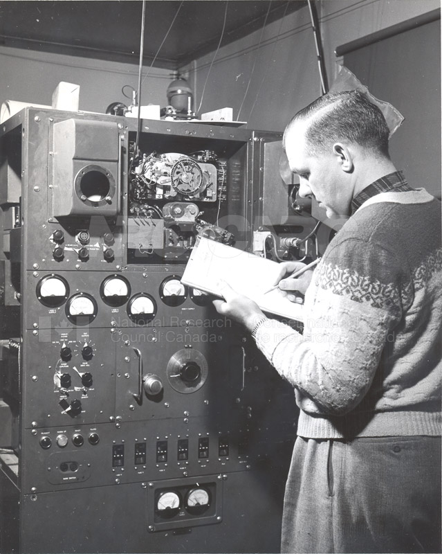 Alert and Resolute Bay Meteorology 1953-1954, 1957 015
