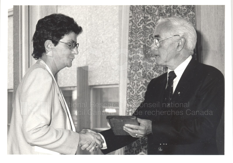 25 Year Service Plaque Presentations May 1985 034
