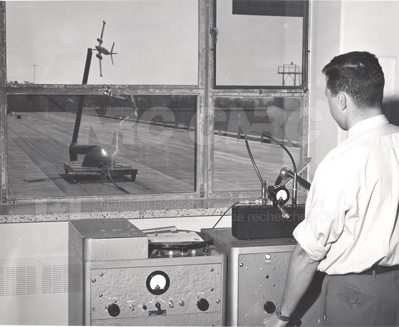 Radio and Electrical Engineering Division- Open House 1954 007