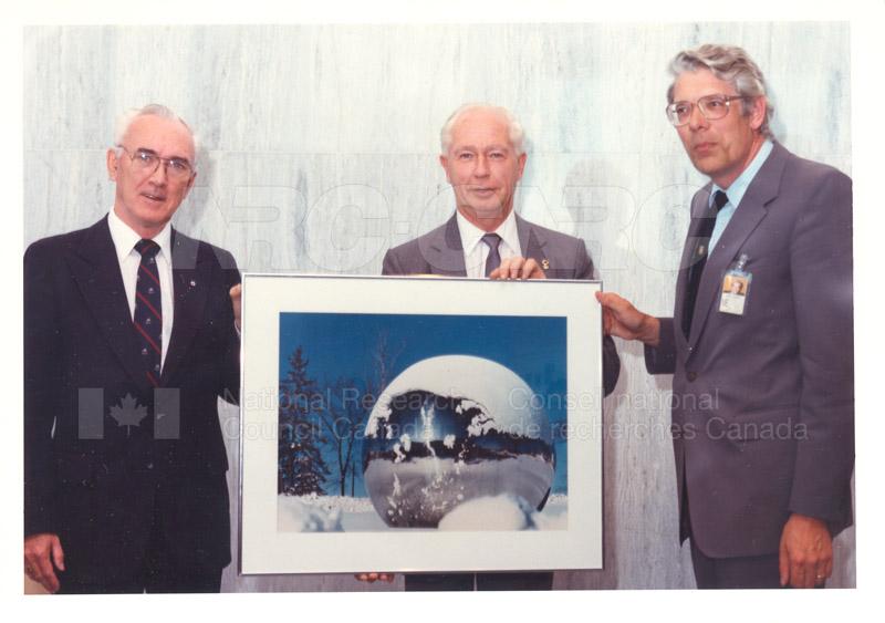 40 Year Service Award C.F. Rollin, C.A.M. Smith 1989 002