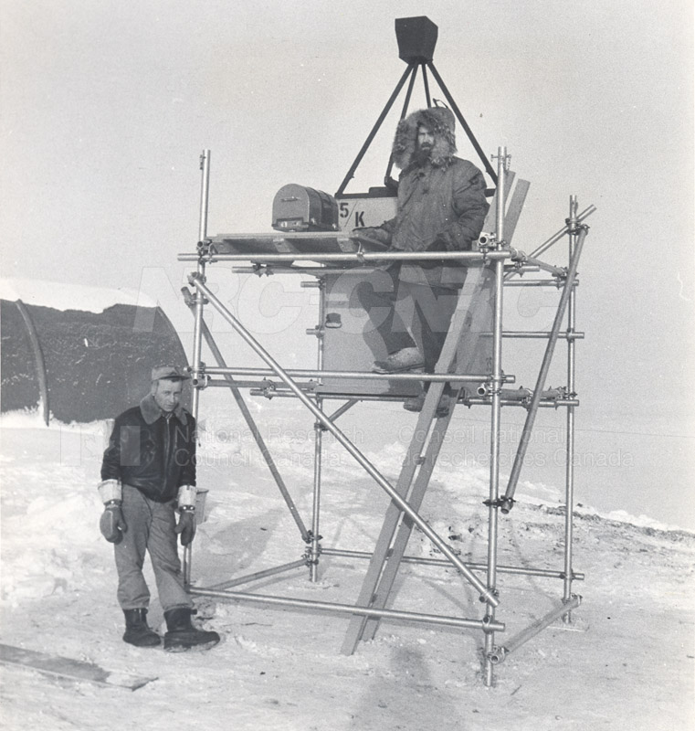 Alert and Resolute Bay Meteorology 1953-1954, 1957 003
