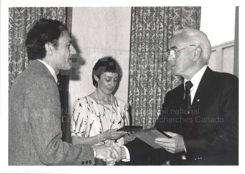 25 Year Service Plaque Presentations May 1985 032
