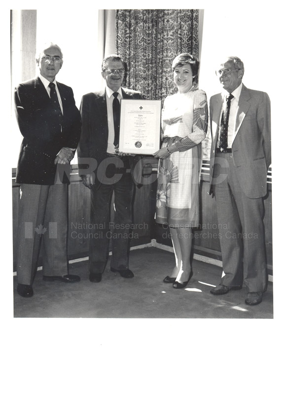 Red Cross Blood Donor Award to NRC 1985 001
