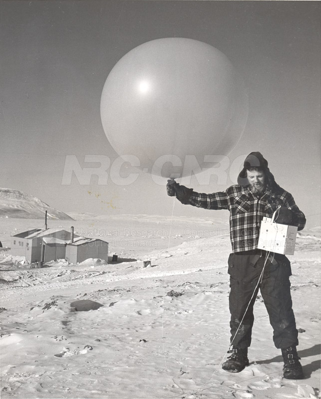 Alert and Resolute Bay Meteorology 1953-1954, 1957 004
