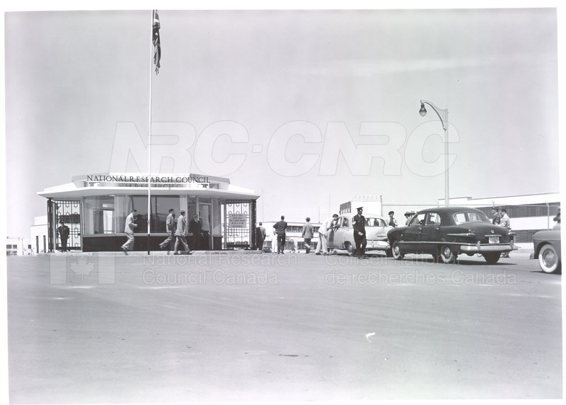 NRC Open House- Montreal Road 1954 022