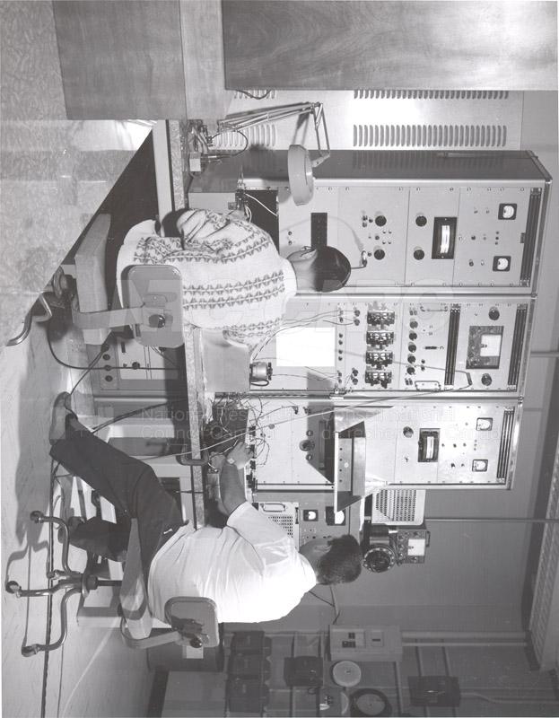 Precision Resistance Comparator 1968 003