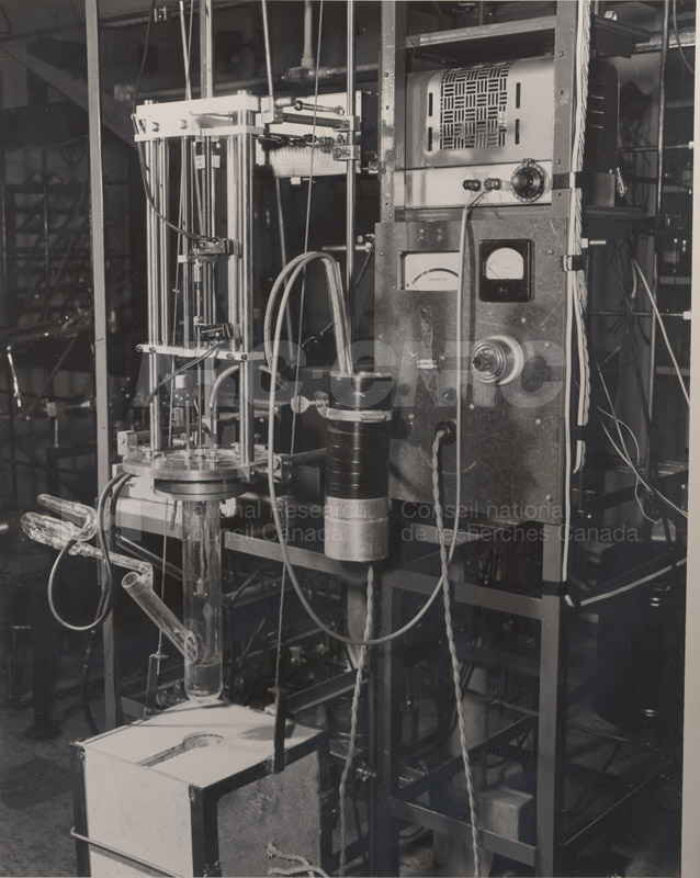 Apparatus for Growing Single Crystals of Germanium June 1954