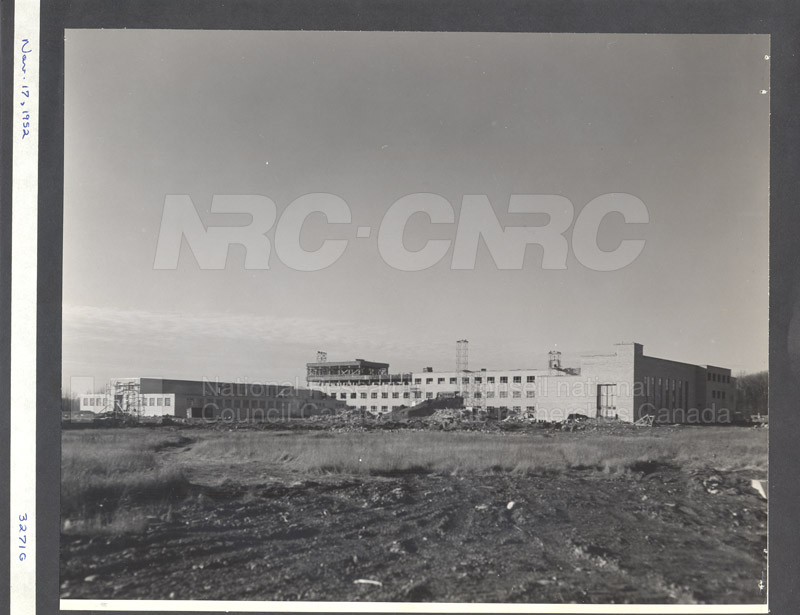 Construction of M-50 Nov. 17 1952 #3271 007