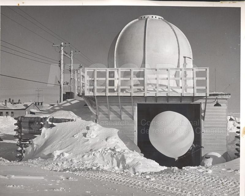 Alert and Resolute Bay Meteorology 1953-1954, 1957 009