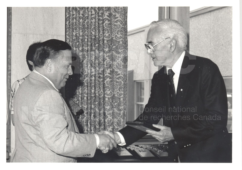 25 Year Service Plaque Presentations May 1985 025
