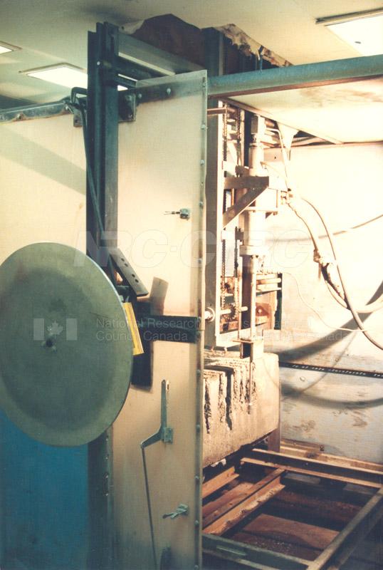 Gas Dynamics Laboratory 034