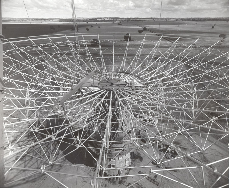 Radio Telescope at Parkes N.S.W. 1960 Commomwealth Scientific and Industrial Research Organization 1960 010