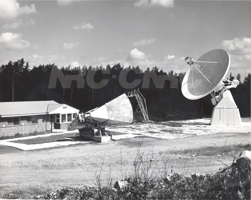 Algonquin Observatory- 33 ft. Radio Telescope and Horn Reflector Gain Standard Oct. 12 1965 002