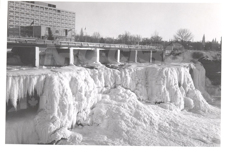 ICE Spring Breakup 1959 003