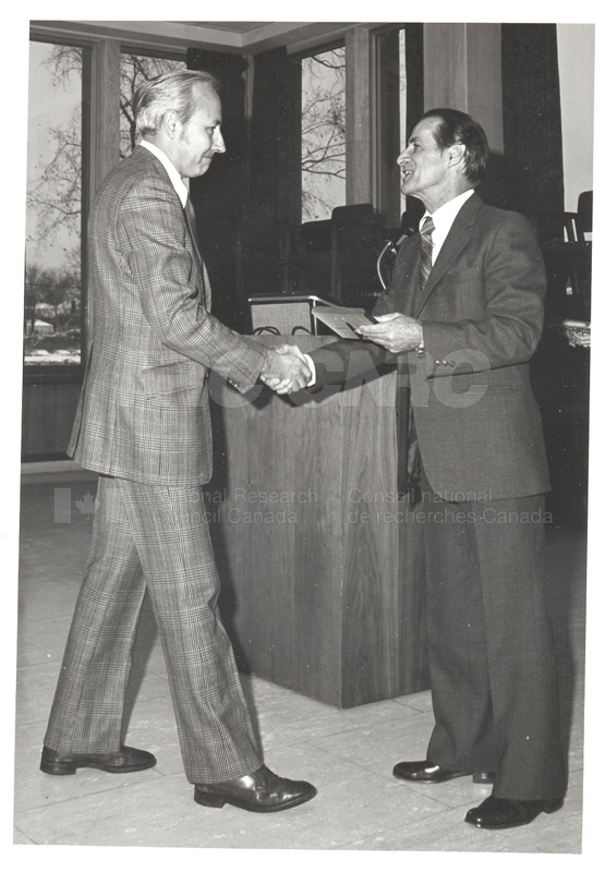 25 Year Service Plaques Presentations 1980 025