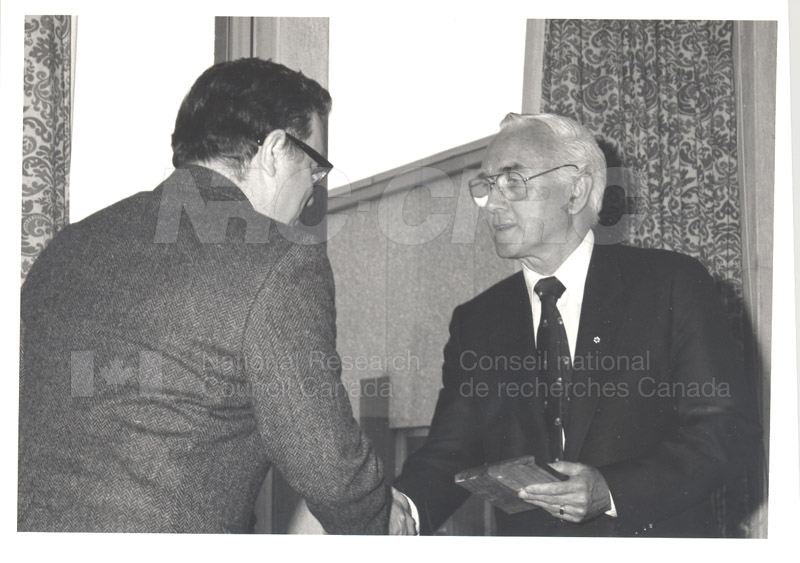 25 Year Service Plaque Presentations May 1985 013