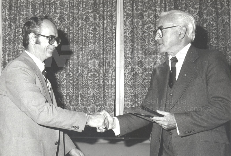 25 Year Service Plaques Presentations 1981 025