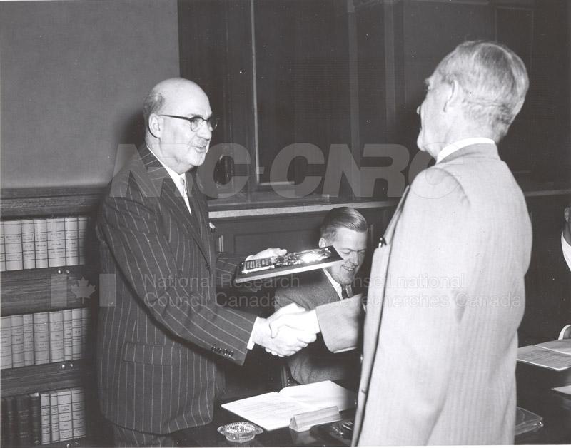 Presentation of Awards for Fire Prevention Contest Winner NRC, Dr. Steacie, J. Elliott 1961, 1962 007