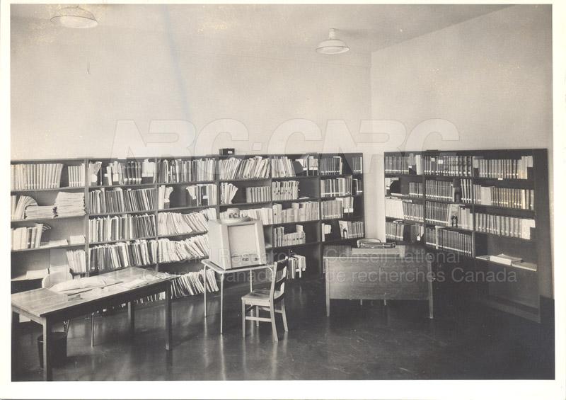 Aeronautical Library Oct. 1948 004