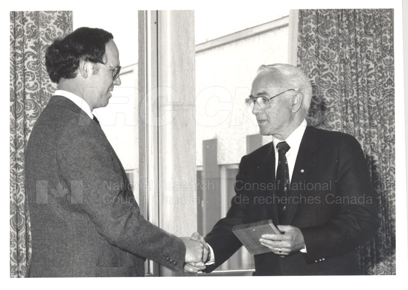 25 Year Service Plaque Presentations May 1985 005