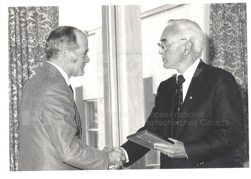 25 Year Service Plaque Presentations May 1985 009