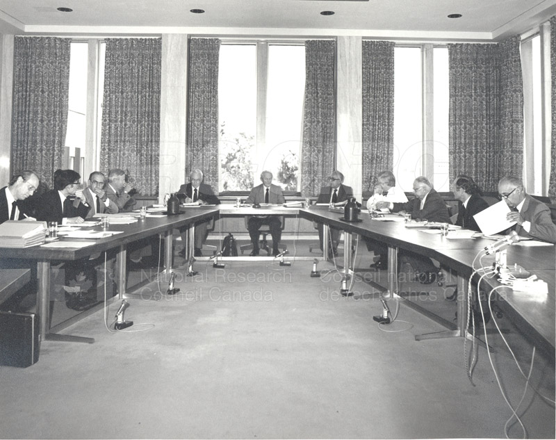 International Union of Pure and Applied Physics Executive Council Ottawa 1983 001