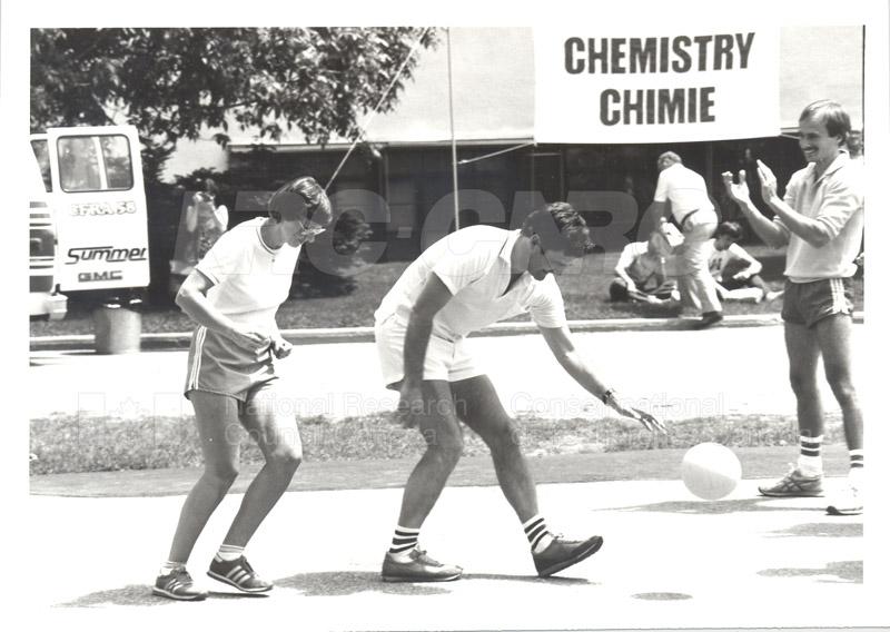 Volley Ball- CFRA- Astronauts- NRC 1984 006