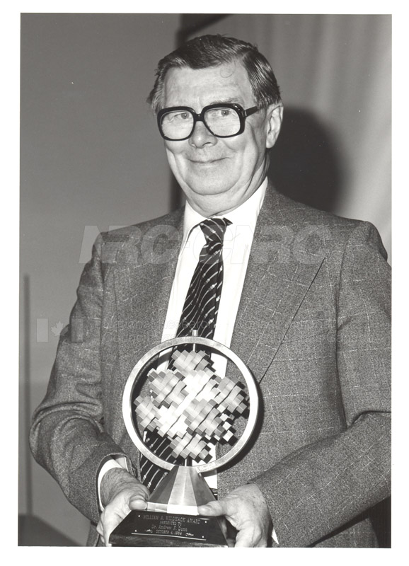 Dr. Andrew F. Dunn (Physics)- William A. Wildhack Award Presented by the National Conference of Standards Laboratories 1984 001