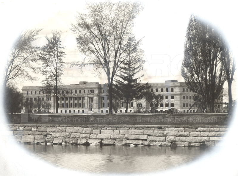 100 Sussex Drive View from River 1932 001
