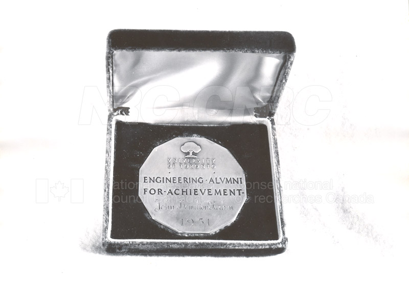 Engineering Alumni Achievement Award U. of T. given to Mr. Parkin 1951 001