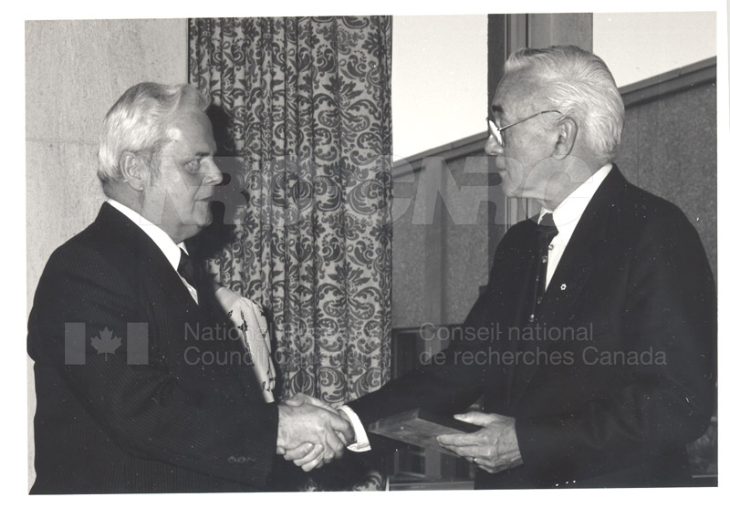 25 Year Service Plaque Presentations May 1985 029