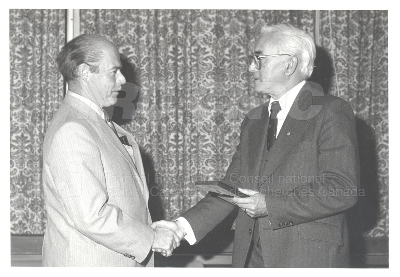 25 Year Service Plaques Presentations 1981 023