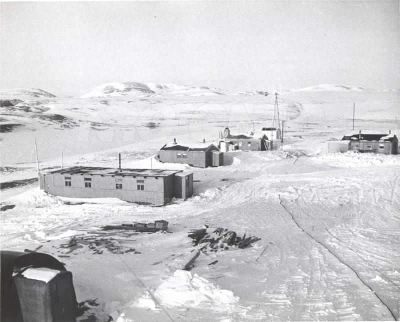 Alert and Resolute Bay Meteorology 1953-1954, 1957 010