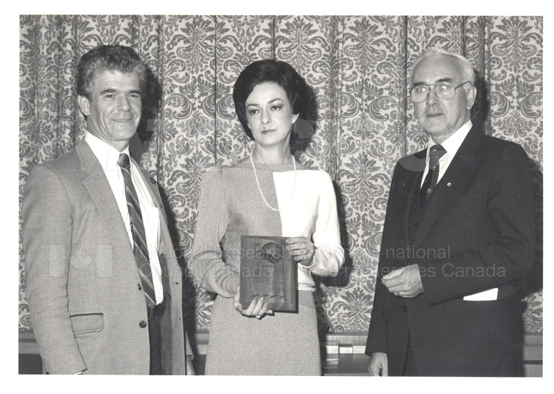 Cheryl Kelly - United Way Special Award Nov. 1985 003