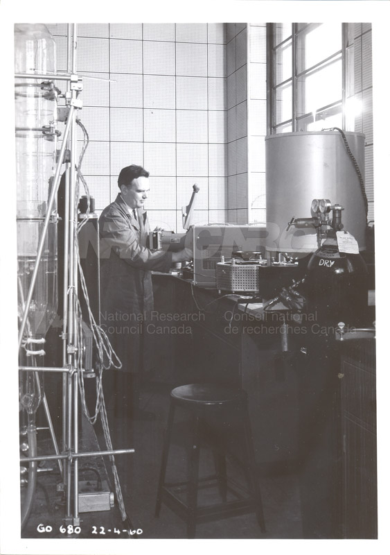 Fuel and Lubricant Lab Apparatus and Testing Procedures 1960 052