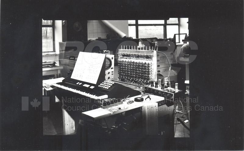 Touch Sensitive Organ 1954 002