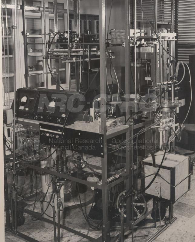 Apparatus- Growing Single Crystals of Germanium June 1954