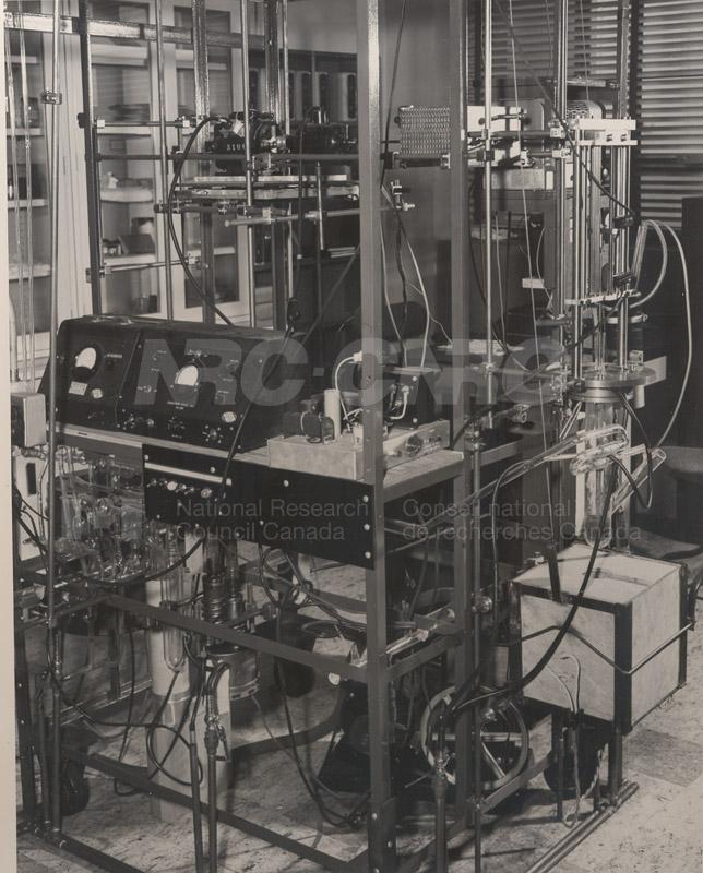 Apparatus- Growing Single Crystals of Germanium June 1954