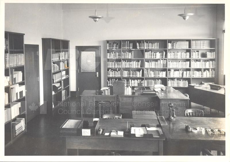 Aeronautical Library Oct. 1948 003