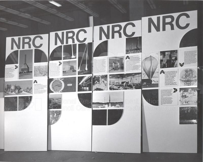 Exhibit Displays- REED 009