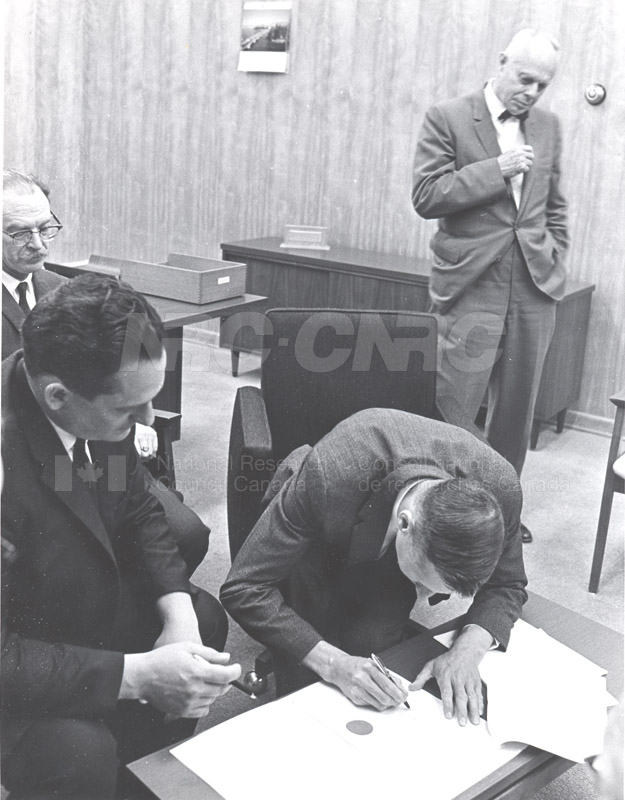 First Collective Agreement with R.C.E.A. 1968 011