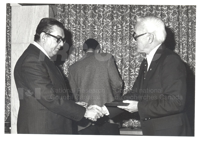 25 Year Service Plaques Presentations 1981 051