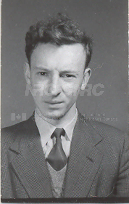 Photographs of Postdoctorate Issue 1957 070