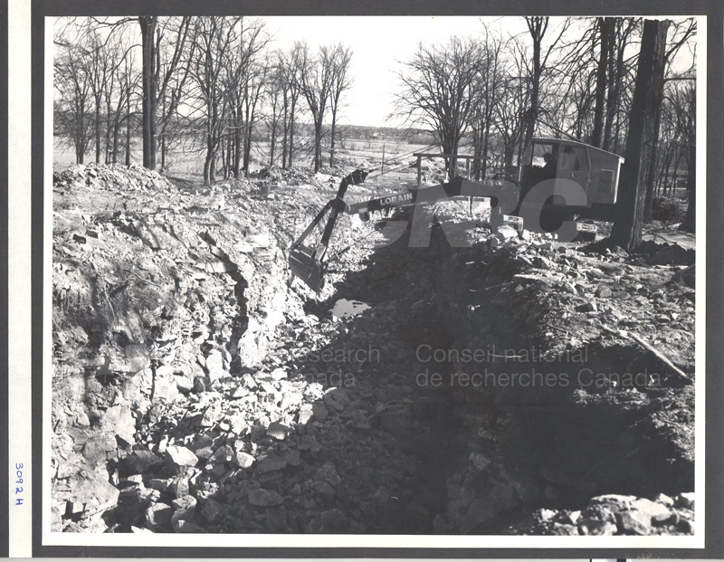 Construction of M-50 Spring 1952 #3092 008
