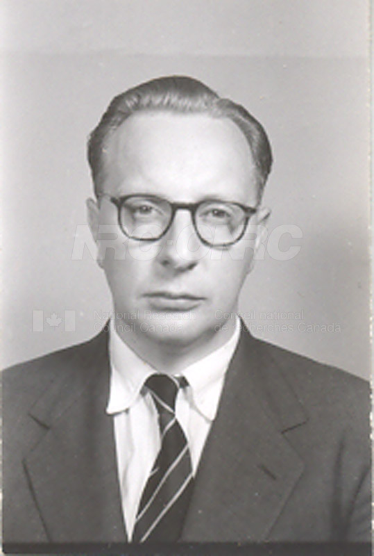 Photographs of Postdoctorate Issue 1957 094