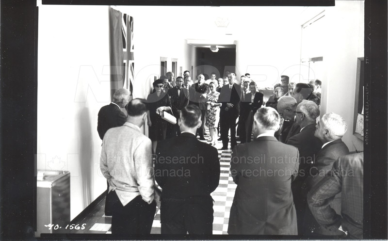 Dr. Broughton- Unveiling Photograph as a Memorial (Fuel & Lubricants Laboratory) 1964 002
