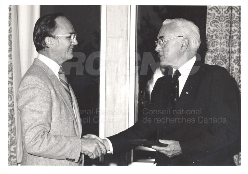 25 Year Service Presentations Oct. 29 1986 027