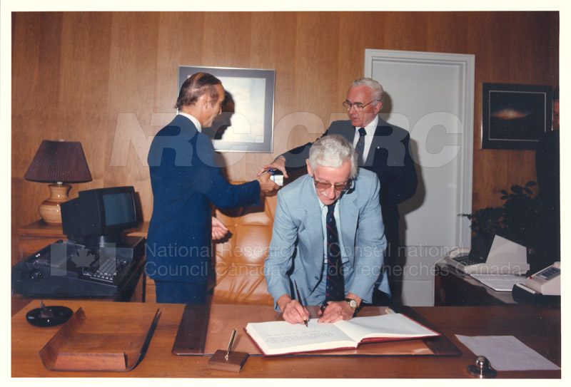 L. Rossi-Bernardi, President, National Research Council of Italy 4 Sept. 1985 005